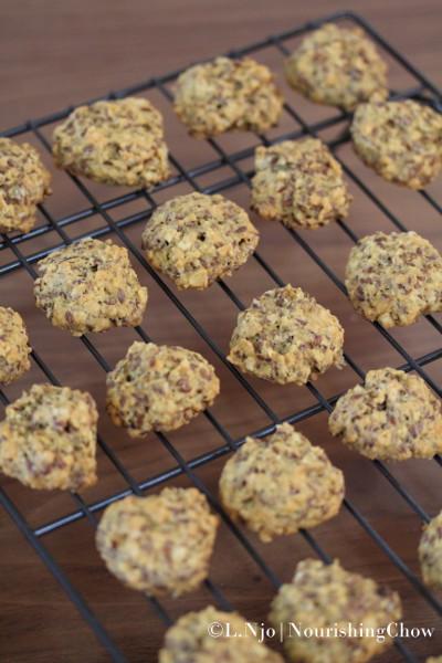IMG_0655tm-NCLNjo-Flaxseed-oat-cookies1