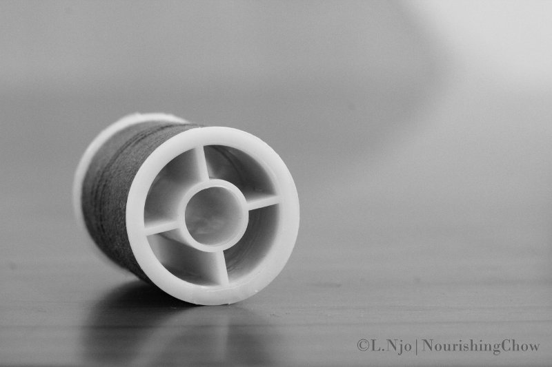 thread spool, black and white